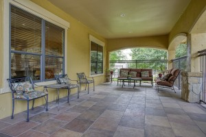 Three Bedroom Apartments in San Antonio, TX - Covered Outdoor Patio