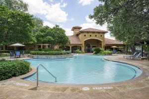 Three Bedroom Apartments in San Antonio, TX - Pool & Clubhouse