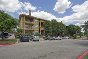 2 Bedroom Apartments in San Antonio, TX - Exterior Building & Parking Lot