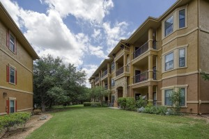 2 Bedroom Apartments in San Antonio, TX - Exterior Buildings (2)